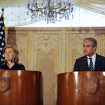 Clinton and Pakistan's Foreign Minister Qureshi