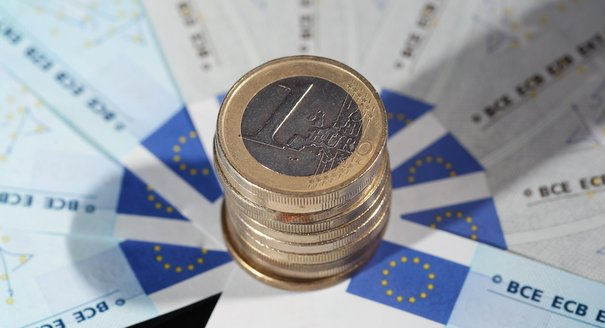 How to Read the Signs in the Euro Crisis