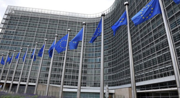 The Return of the European Commission to Foreign Policy Making?