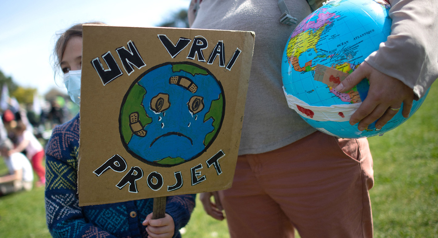 A Novel Approach to Local Climate Action in France